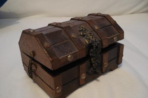 sm treasure chest