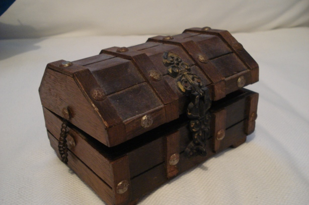 wood treasure chests