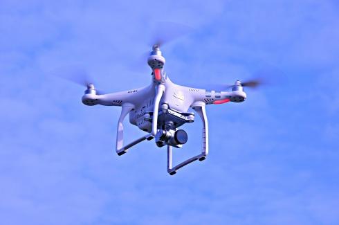 drone-1434971_1920